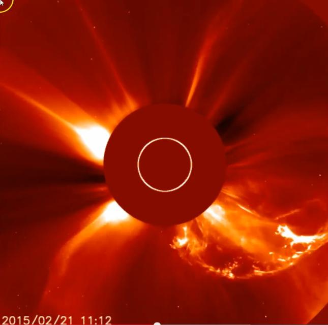 Comète inconnue - Explosion Solaire - 19-02-2015 - 02