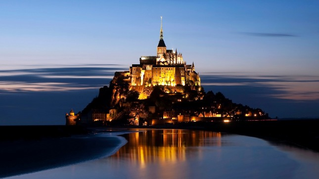 The-amazing-spirit-of-Le-Mont-Saint-Michel-France